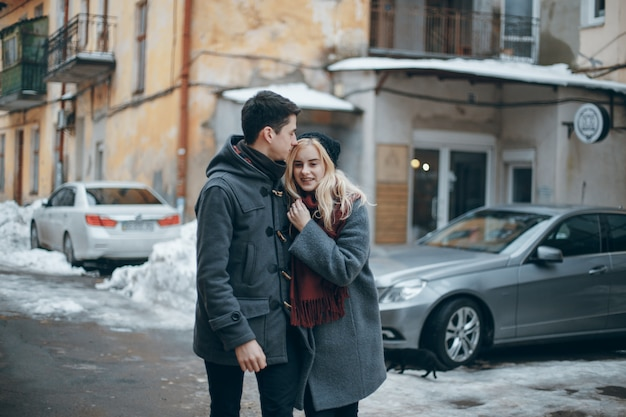 美しい若いカップル