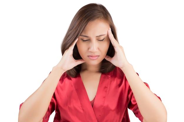 Портрет красивой молодой женщины головная боль депрессия подчеркнула усталость