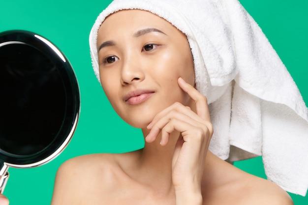 美容アジアの女性のスキンケア、美容