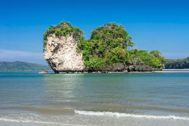 바다의 아름다움 석회암 바위