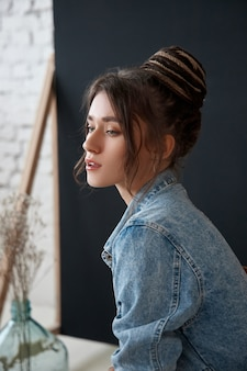 美しい女性の美しさの肖像画、ファッション女性の化粧品とメイクアップ