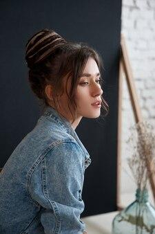 Красота портрет красивой женщины, модная женская косметика и макияж