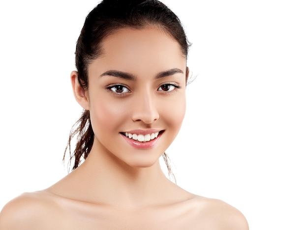 美容肌女性ナチュラルメイク顔化粧品コンセプト