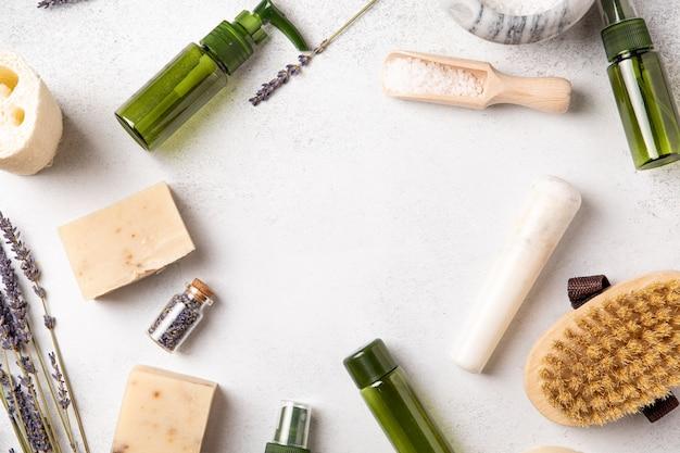 미용, 스파 천연 화장품 및 자기 관리 개념. 페이셜 트리트먼트. 유기농 미용 제품, 평평한 평지, 평면도