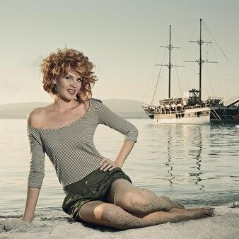船と海の美女