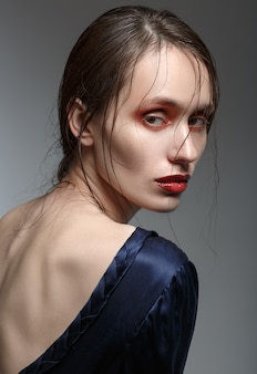 美容女性。美しい若い女性の肖像画。