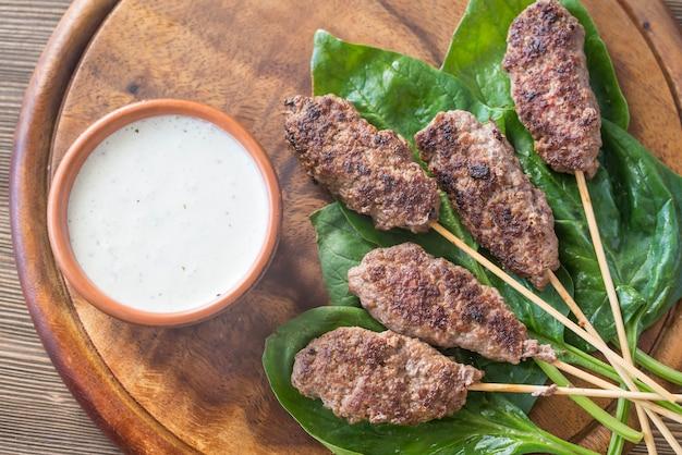 Beef cabobs with tzatziki sauce