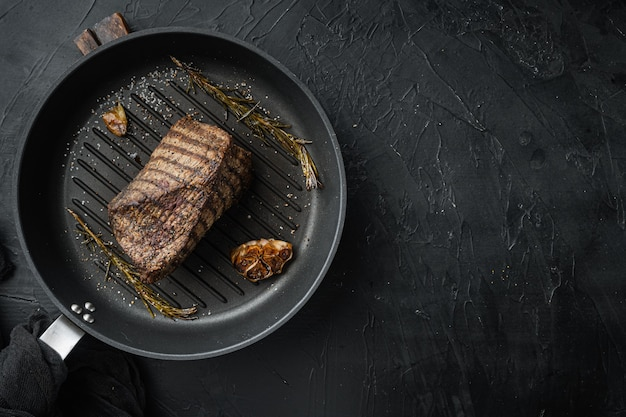 쇠고기 컷 구운 세트, 프라이팬, 블랙 테이블, 평면도 평면 누워