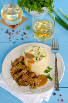 Beef goulash with mashed potatoes