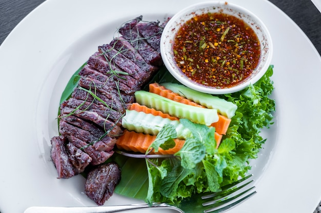 Beef grill with thai sauce