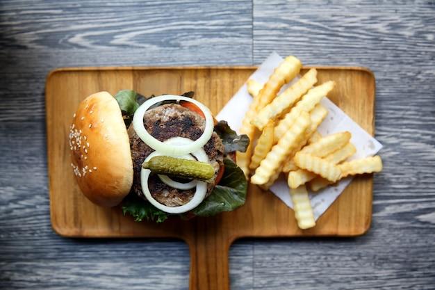 上面図のビーフハンバーガー