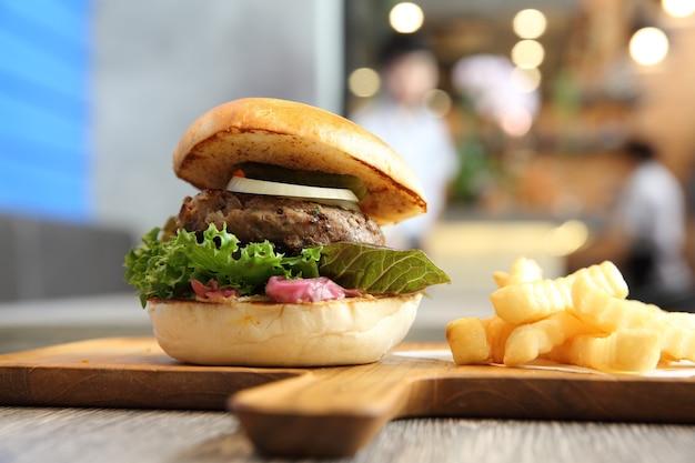 Гамбургер из говядины