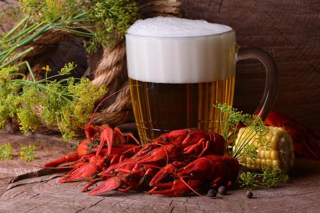 ビールとザリガニ