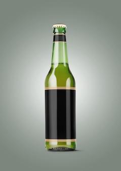 회색 배경에 빈 레이블이 있는 맥주 병 모형. 옥토버 페스트 개념입니다.