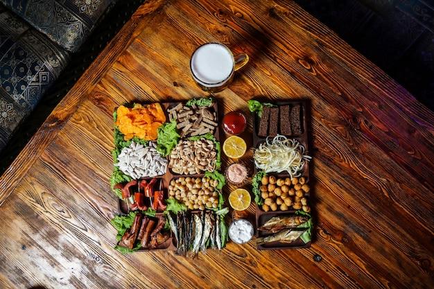 Пивной сет с креветками, сплатом, курицей и сосисками