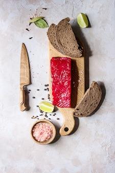 Beetroot marinated salmon