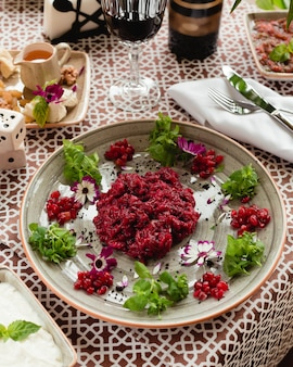 Beetroot salad with pomegranate and herbs