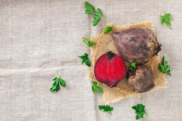 테이블에 사탕 무우 야채