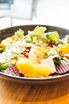 野菜サラダのビートルート