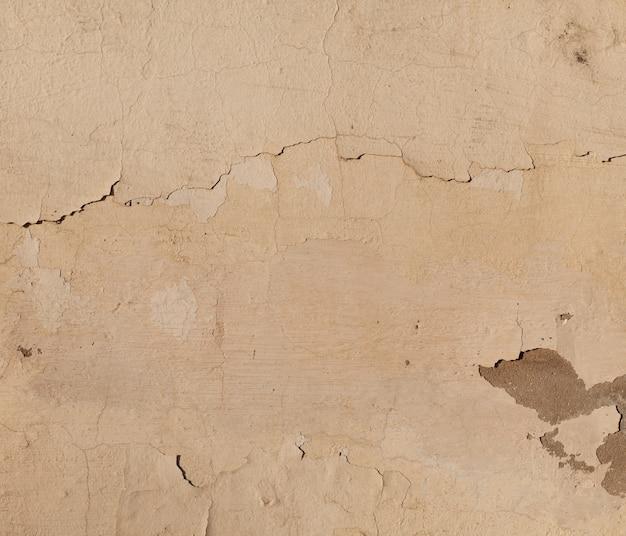 Beige cracked wall