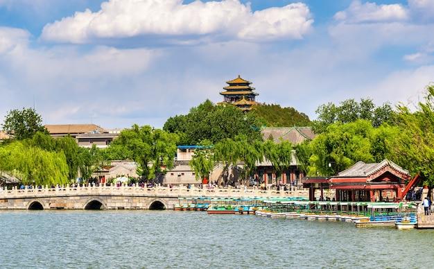 호수가있는 베이 하이 공원-베이징, 중국