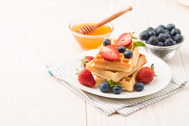 朝食用ベルギーワッフル
