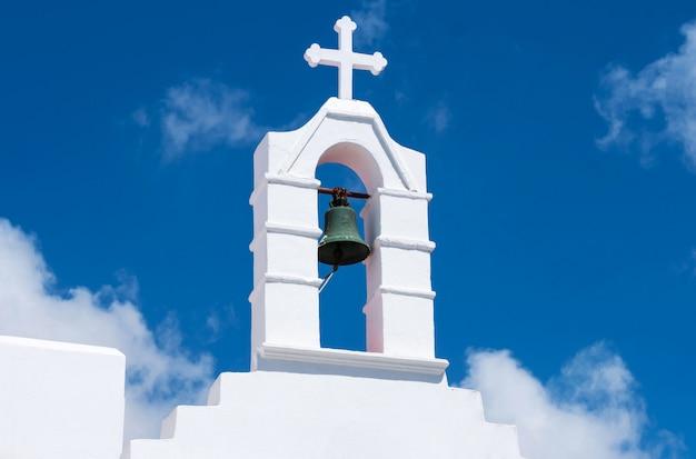 白いキリスト教会の鐘