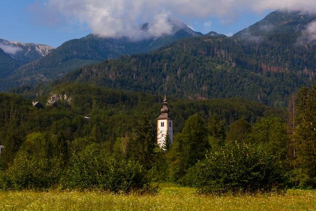 セントジョンザバプティスト教会、ボーヒニの鐘楼