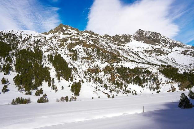 Benasque llanos del hospital cross country ski