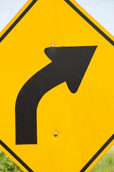 Bend to right arrow line sign
