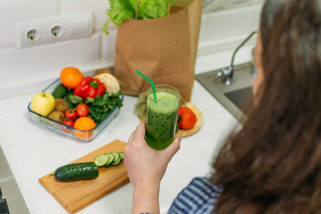 Benefits of cucumber juice. green smoothies cooking for detox