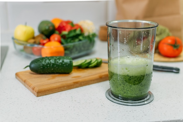 Benefits of cucumber juice. green smoothies cooking
