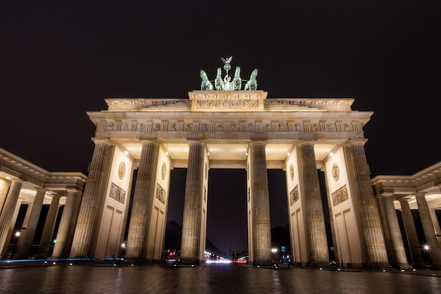 Berlin brandenburg gate at night in berlin, germany.