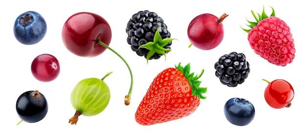 Сбор ягод, изолированные на белом фоне с обтравочным контуром, свежая клубника и черника, спелая вишня, малина, крыжовник и ежевика, черная и красная смородина