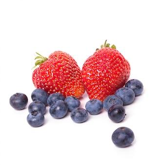 테이블에 딸기