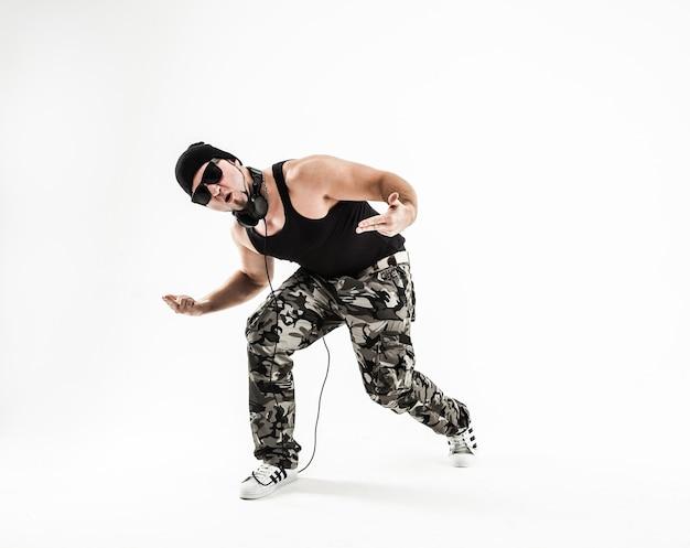 Лучший рэпер, танцующий брейк-данс