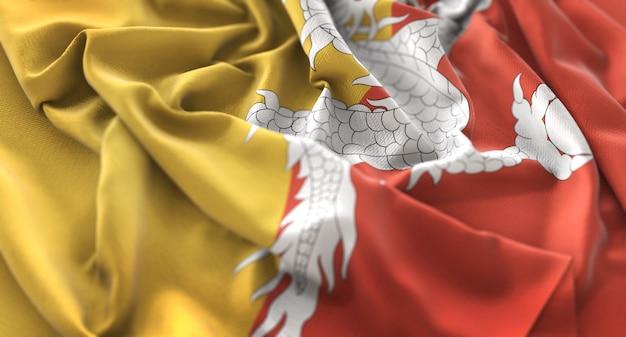 Bandiera del bhutan ruffled splendamente sventolando macro close-up shot