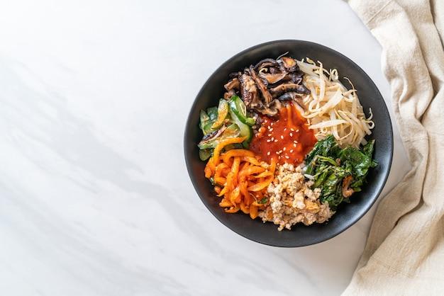 비빔밥, 한식 매운 샐러드 덮밥