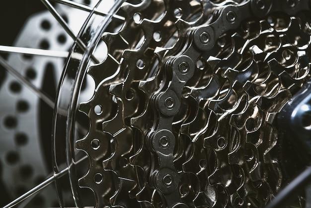 自転車チェーン。カセット。ギアシフト。トランスミッション。