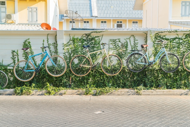 Bicycle decoration on wall