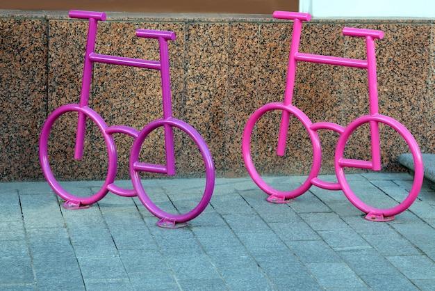 Велопарковка в виде велосипеда