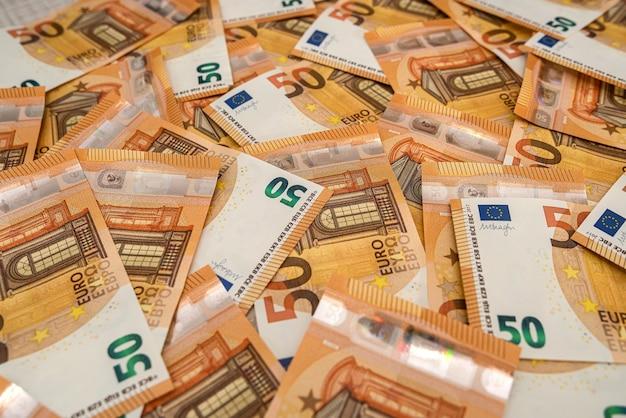 큰 금액의 50 유로 지폐 클로즈업. 풍부한 생활 개념