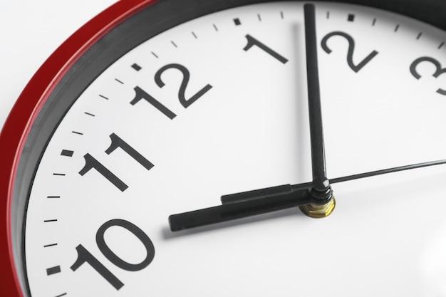 テキストのためのスペースとしての大きな美しい時計
