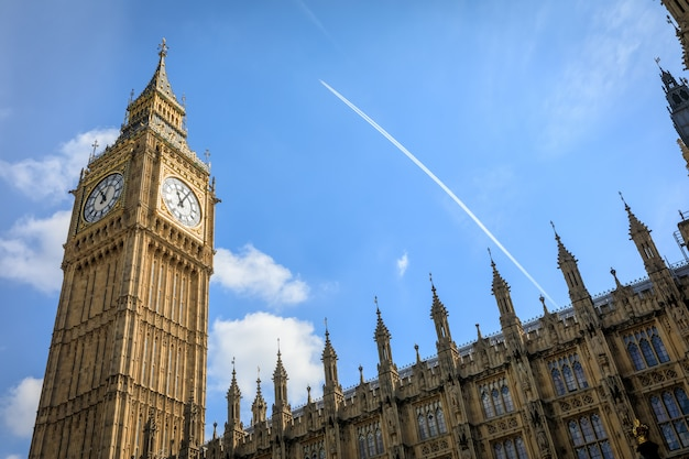 런던의 빅 벤 (엘리자베스 타워)