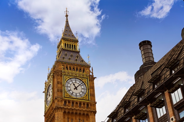 Big ben london clock tower in uk thames