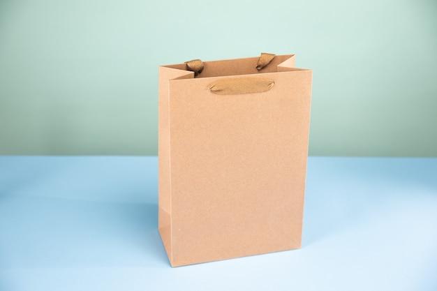 식료품을위한 큰 갈색 종이 봉지