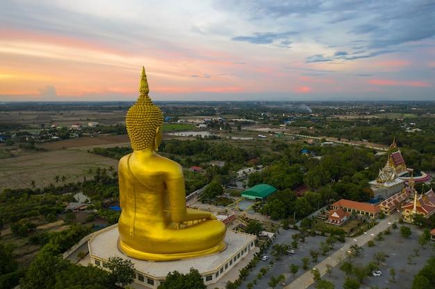 タイ、ワットムアンの大仏」