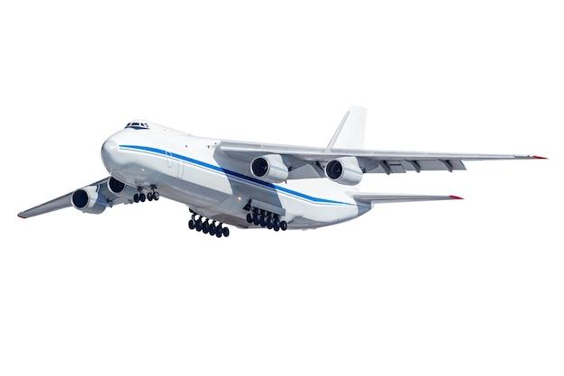 白で隔離された解放された着陸装置を備えた大きな貨物機