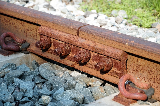 大きなナットの線路錆の腐食プレゼンテーションのイラストとして使用