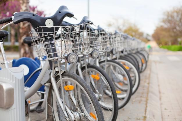 길거리에서 자전거 대여